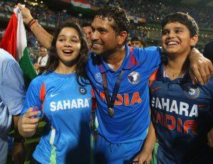 Sachin Tendulkar with family after winning world cup