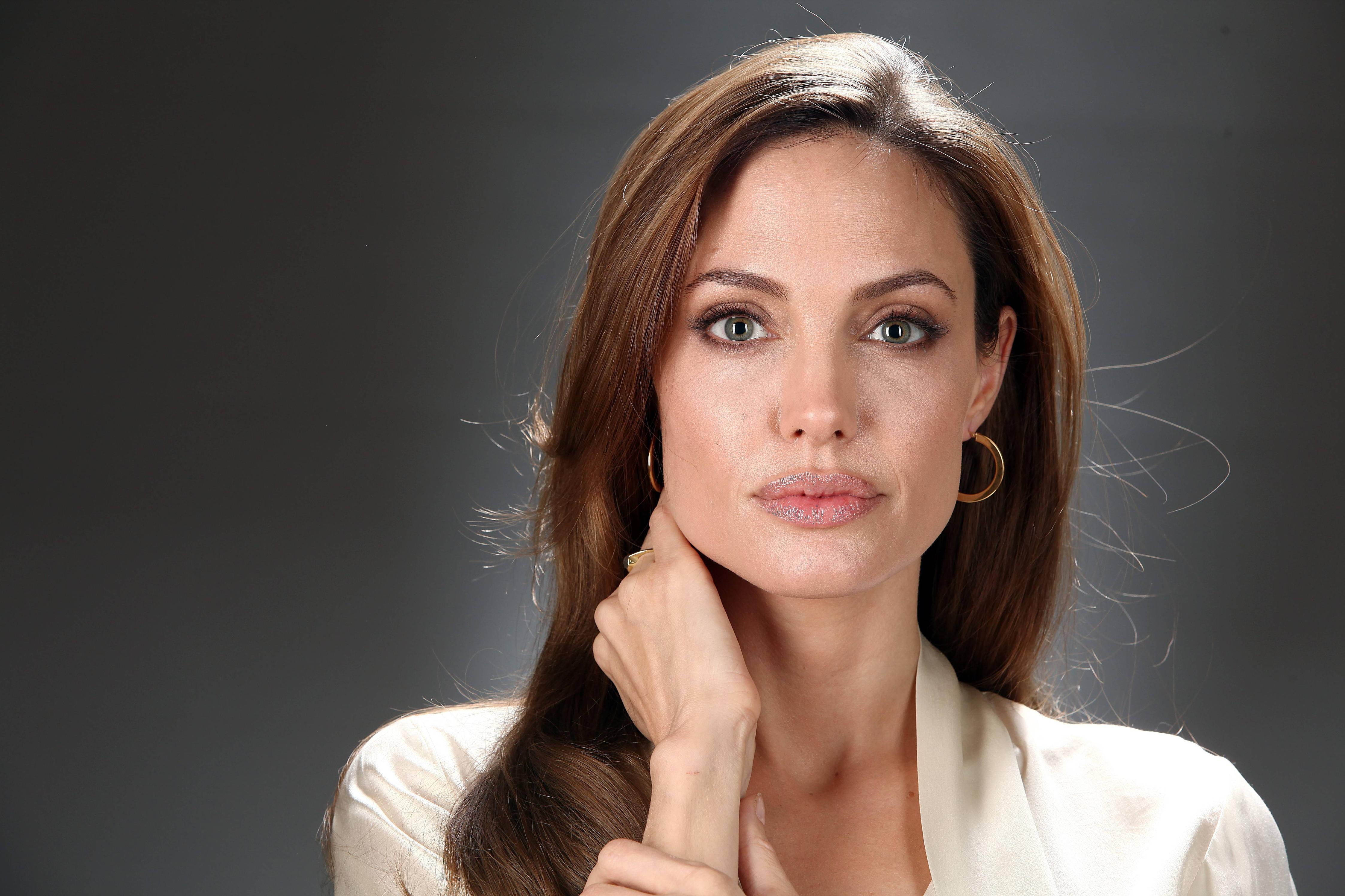 Angelina Jole@dontgiveupworld