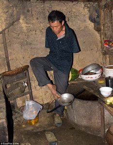 Man Without Arm #Inspirational Story #China @Dontgiveupworld
