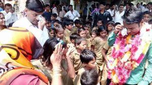 first-story-is-of-avanish-yadav-teacher-dontgiveupworld